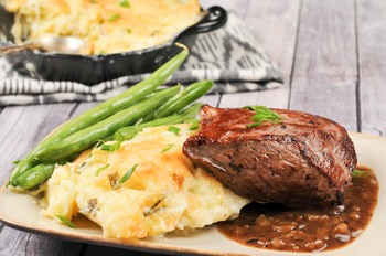 thumb_homechef_BistroSteakwithPotatoesDauphinois__9_of_10_